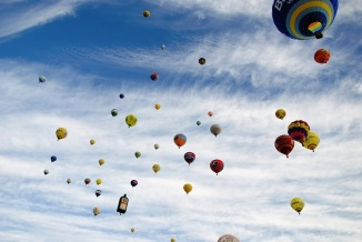 hot-air-balloon-1579141_960_720.jpg